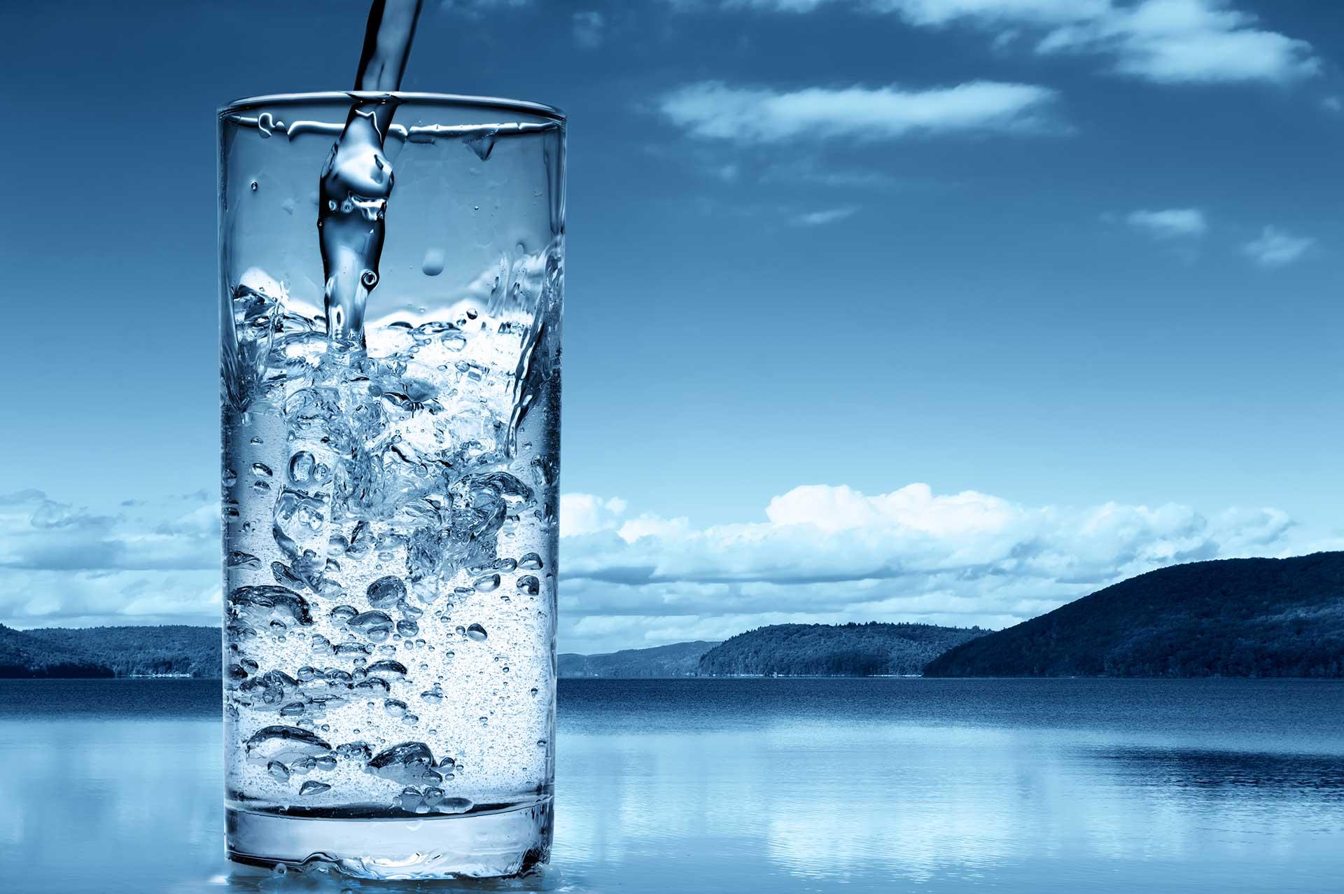 Nước là yếu tố quan trọng để bạn giảm cân.